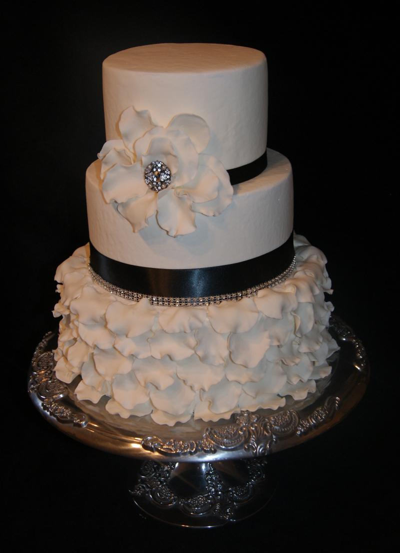 Pictures Of Wedding Cakes With Buttercream Icing
